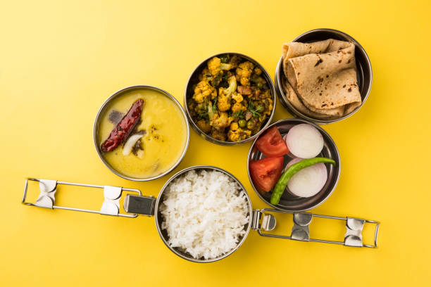 Things To Consider Before Ordering Tiffin Service